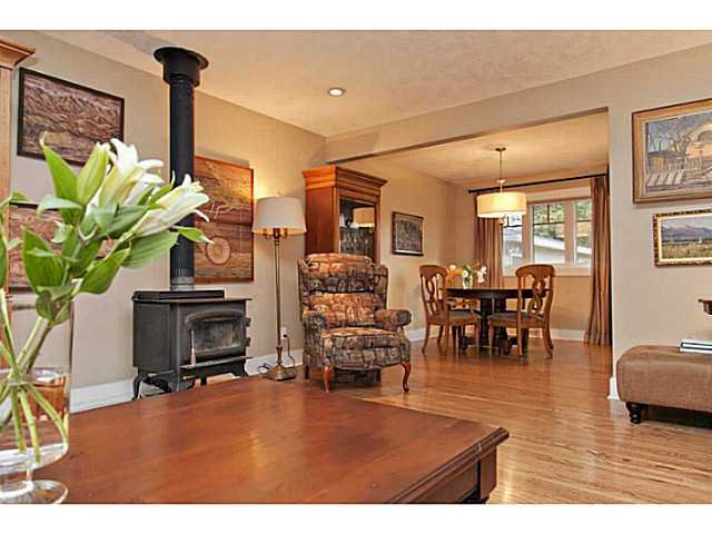 Photo 5: Photos: 55 HAYSBORO Crescent SW in CALGARY: Haysboro Residential Detached Single Family for sale (Calgary)  : MLS®# C3614600