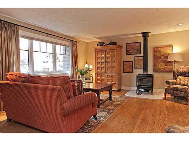 Photo 2: Photos: 55 HAYSBORO Crescent SW in CALGARY: Haysboro Residential Detached Single Family for sale (Calgary)  : MLS®# C3614600