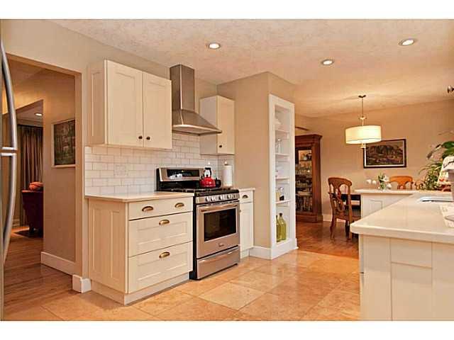 Photo 8: Photos: 55 HAYSBORO Crescent SW in CALGARY: Haysboro Residential Detached Single Family for sale (Calgary)  : MLS®# C3614600