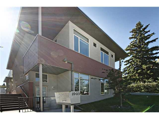 Main Photo: 110 1905 27 Avenue SW in CALGARY: South Calgary Townhouse for sale (Calgary)  : MLS®# C3636189