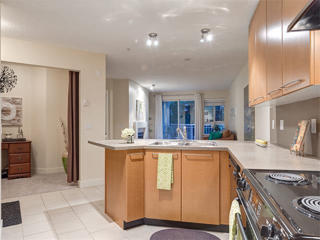 Photo 9: Photos: 224 35 RICHARD Court SW in Calgary: Lincoln Park Condo for sale : MLS®# C4021512