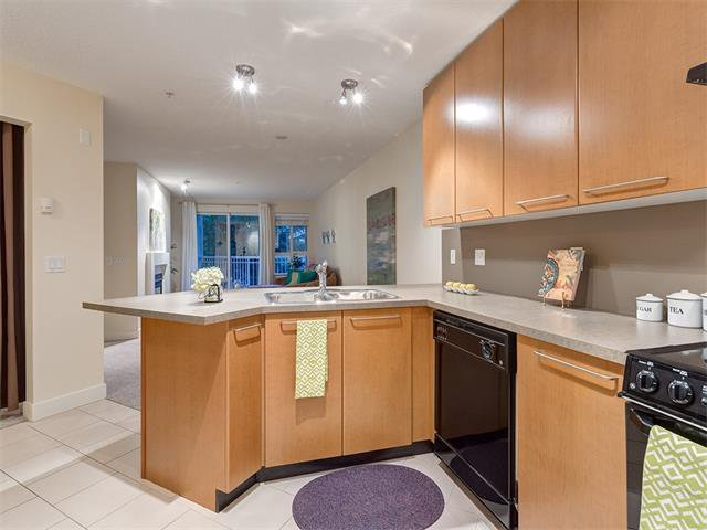 Photo 8: Photos: 224 35 RICHARD Court SW in Calgary: Lincoln Park Condo for sale : MLS®# C4021512