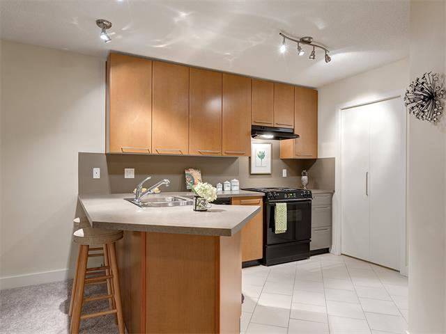 Photo 4: Photos: 224 35 RICHARD Court SW in Calgary: Lincoln Park Condo for sale : MLS®# C4021512