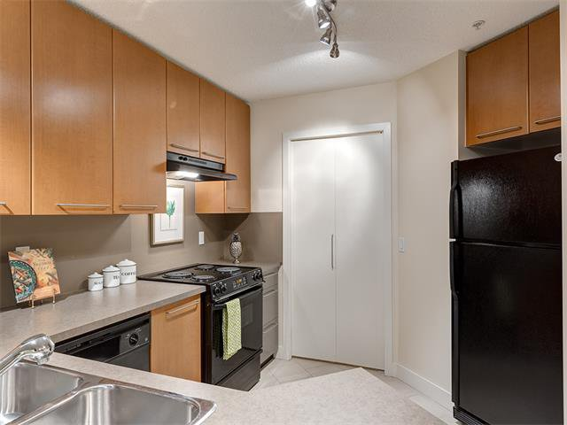 Photo 7: Photos: 224 35 RICHARD Court SW in Calgary: Lincoln Park Condo for sale : MLS®# C4021512