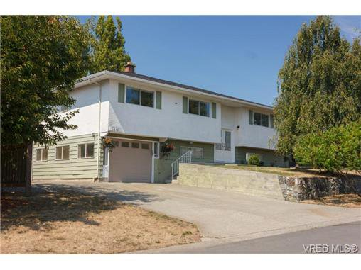 Main Photo: 1441 Ocean View Rd in VICTORIA: SE Cedar Hill House for sale (Saanich East)  : MLS®# 710047