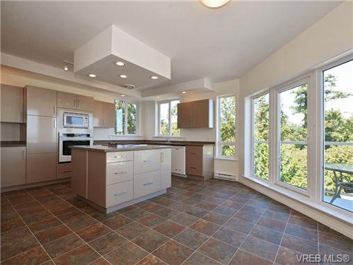 Photo 10: Photos: 1 4771 Cordova Bay Rd in VICTORIA: SE Cordova Bay Row/Townhouse for sale (Saanich East)  : MLS®# 710502