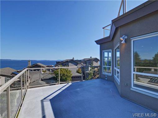 Photo 4: Photos: 1 4771 Cordova Bay Rd in VICTORIA: SE Cordova Bay Row/Townhouse for sale (Saanich East)  : MLS®# 710502