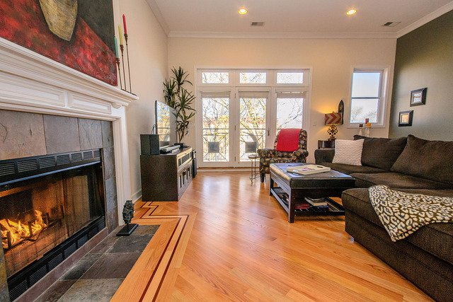 Photo 4: Photos: 2851 Shakespeare Avenue Unit 3 in CHICAGO: CHI - Logan Square Condo, Co-op, Townhome for sale ()  : MLS®# MRD09090303