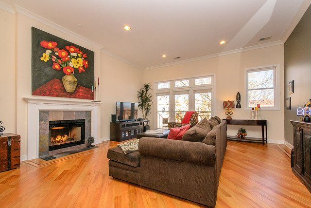 Photo 2: Photos: 2851 Shakespeare Avenue Unit 3 in CHICAGO: CHI - Logan Square Condo, Co-op, Townhome for sale ()  : MLS®# MRD09090303