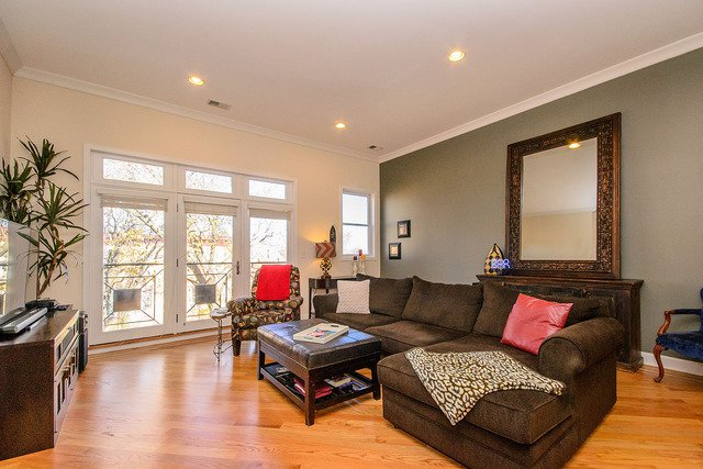 Photo 3: Photos: 2851 Shakespeare Avenue Unit 3 in CHICAGO: CHI - Logan Square Condo, Co-op, Townhome for sale ()  : MLS®# MRD09090303