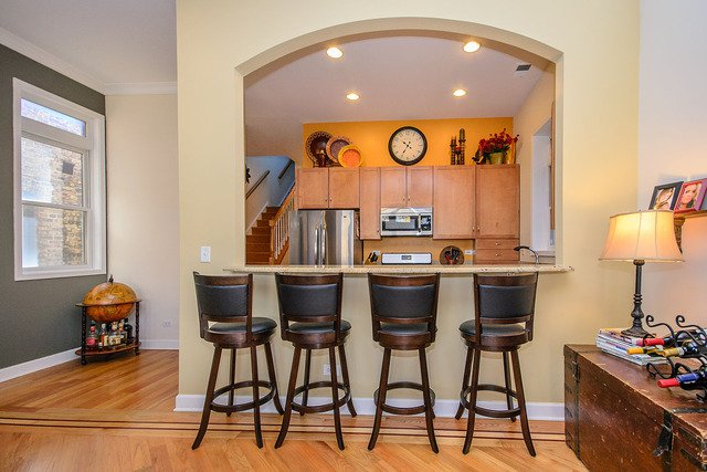 Photo 9: Photos: 2851 Shakespeare Avenue Unit 3 in CHICAGO: CHI - Logan Square Condo, Co-op, Townhome for sale ()  : MLS®# MRD09090303