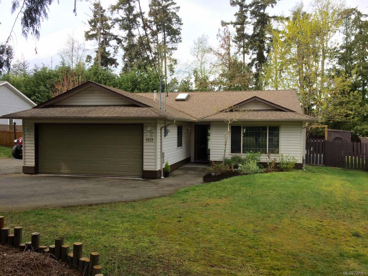 Main Photo: 1433 SUNRISE DRIVE in FRENCH CREEK: PQ French Creek House for sale (Parksville/Qualicum)  : MLS®# 727961