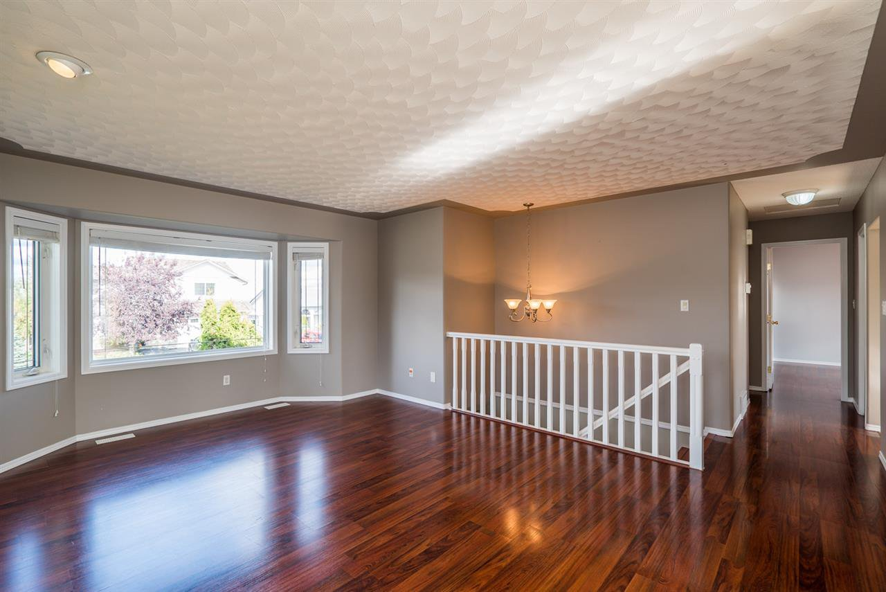 """Photo 5: Photos: 6702 WESTMOUNT Crescent in Prince George: Lafreniere House for sale in """"WESTGATE"""" (PG City South (Zone 74))  : MLS®# R2112583"""