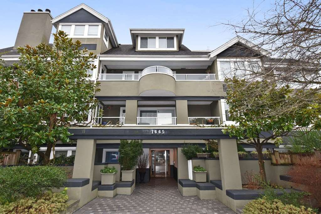 Main Photo: 402 1665 ARBUTUS Street in Vancouver: Kitsilano Condo for sale (Vancouver West)  : MLS®# R2134483