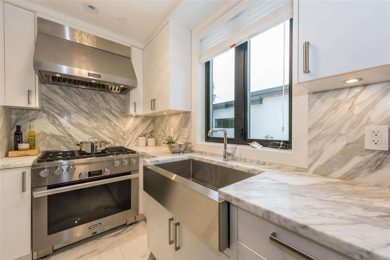 Photo 13: Photos: 4498 W 7TH Avenue in Vancouver: Point Grey House for sale (Vancouver West)  : MLS®# R2155290