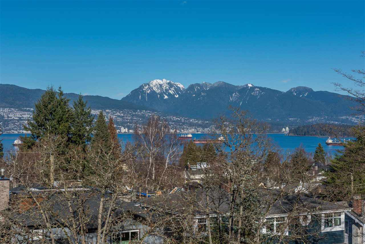 Photo 3: Photos: 4498 W 7TH Avenue in Vancouver: Point Grey House for sale (Vancouver West)  : MLS®# R2155290