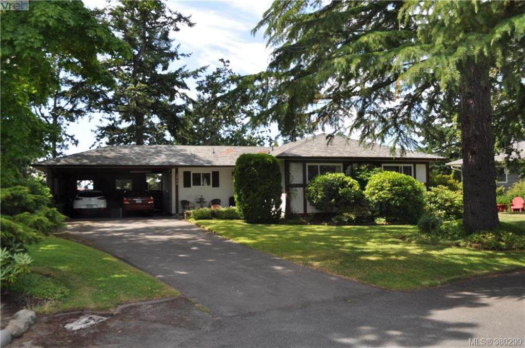 Main Photo: 1860 Ventura Way in VICTORIA: SE Lambrick Park Single Family Detached for sale (Saanich East)  : MLS®# 380299
