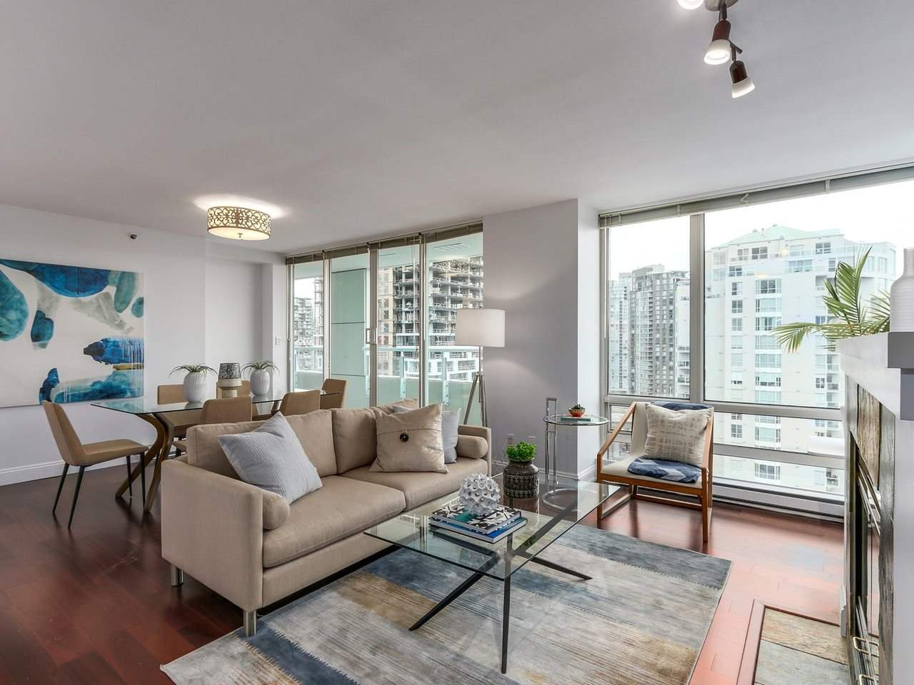 "Main Photo: 2001 1500 HORNBY Street in Vancouver: Yaletown Condo for sale in ""888 Beach"" (Vancouver West)  : MLS®# R2225315"