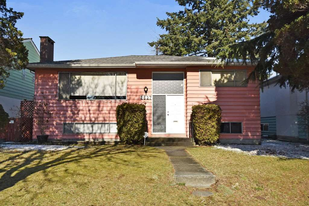 Main Photo: 2627 E 56TH Avenue in Vancouver: Fraserview VE House for sale (Vancouver East)  : MLS®# R2243250