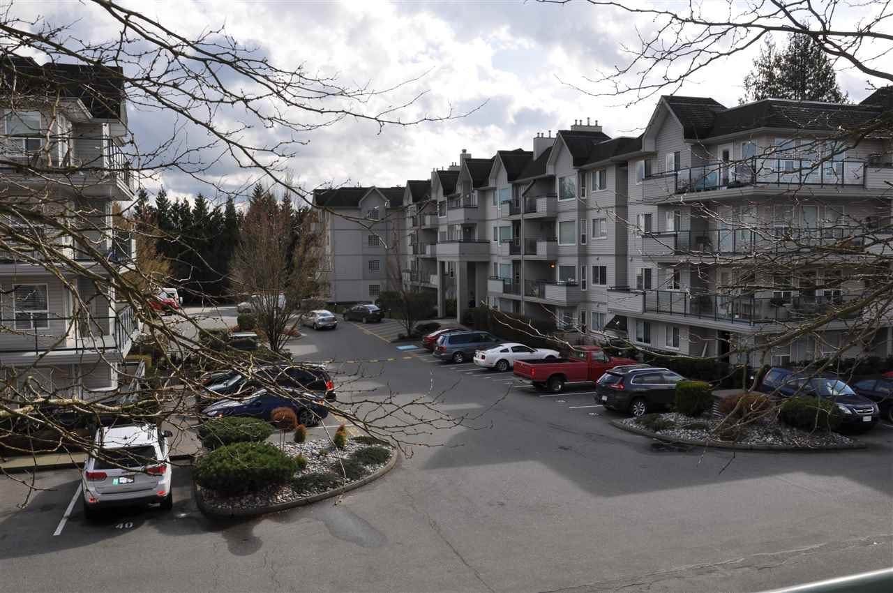 """Main Photo: 207 33728 KING Road in Abbotsford: Poplar Condo for sale in """"College Park"""" : MLS®# R2255636"""
