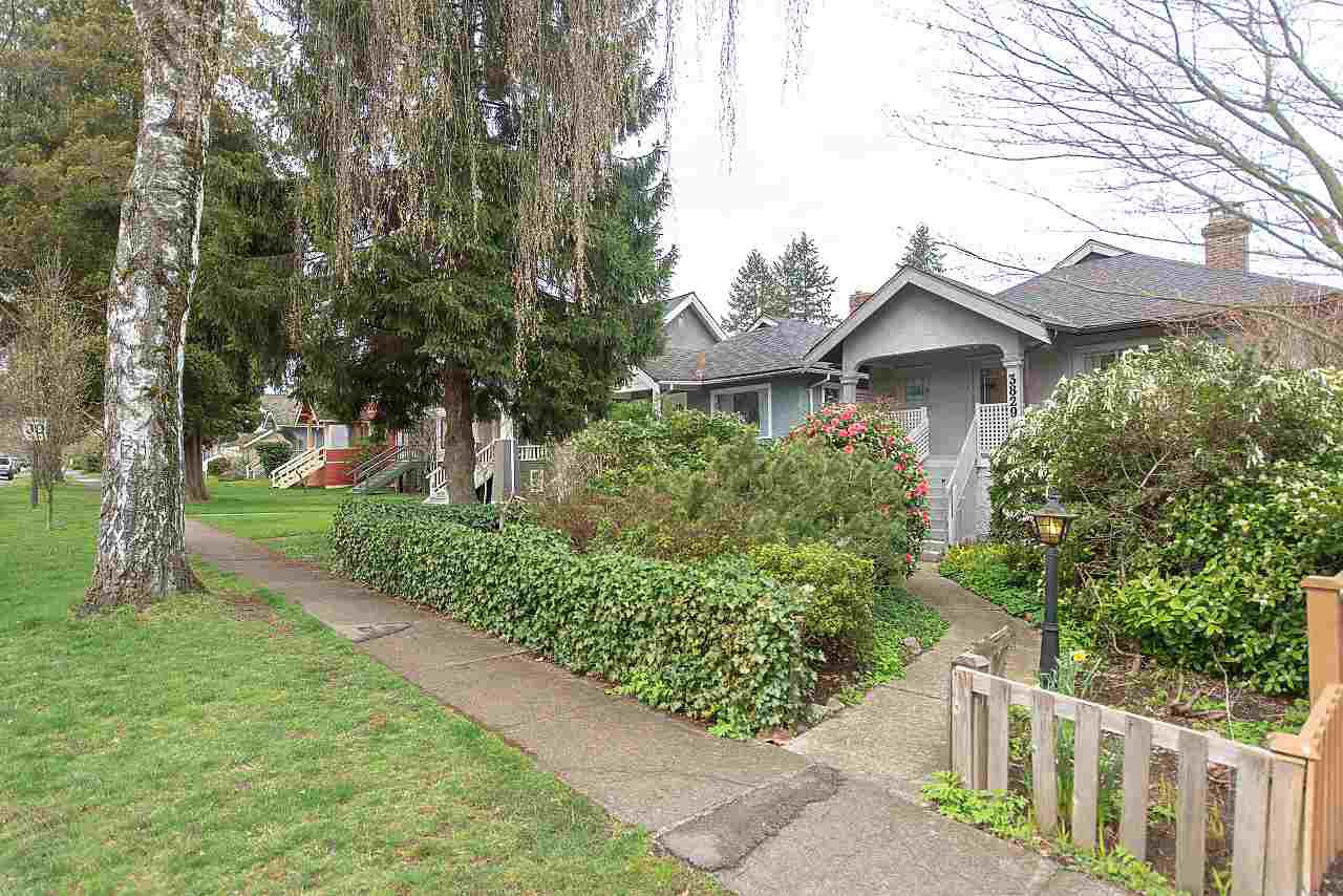 Main Photo: 3829 W 18TH Avenue in Vancouver: Dunbar House for sale (Vancouver West)  : MLS®# R2258075