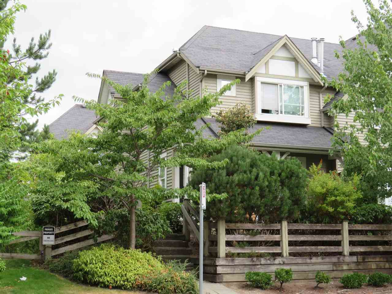 """Main Photo: 44 15488 101A Avenue in Surrey: Guildford Townhouse for sale in """"COBBLEFIELD LANE"""" (North Surrey)  : MLS®# R2300261"""
