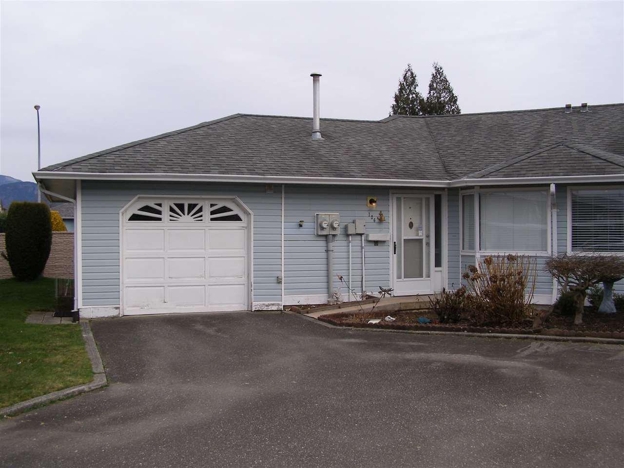 """Main Photo: 126 7610 EVANS Road in Chilliwack: Sardis West Vedder Rd House 1/2 Duplex for sale in """"COTTONWOOD REITREMENT VILLAGE"""" (Sardis)  : MLS®# R2330361"""