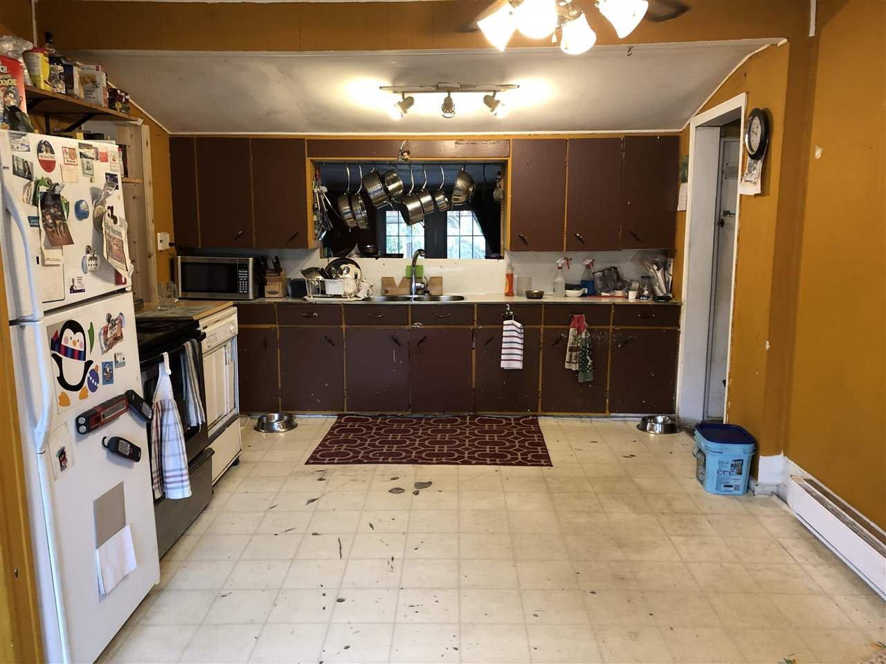 """Photo 3: Photos: 12767 115A Avenue in Surrey: Bridgeview House for sale in """"Bridgeview"""" (North Surrey)  : MLS®# R2386694"""