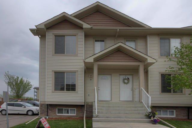 Main Photo: 290 SPRUCE RIDGE Road: Spruce Grove Townhouse for sale : MLS®# E4172442