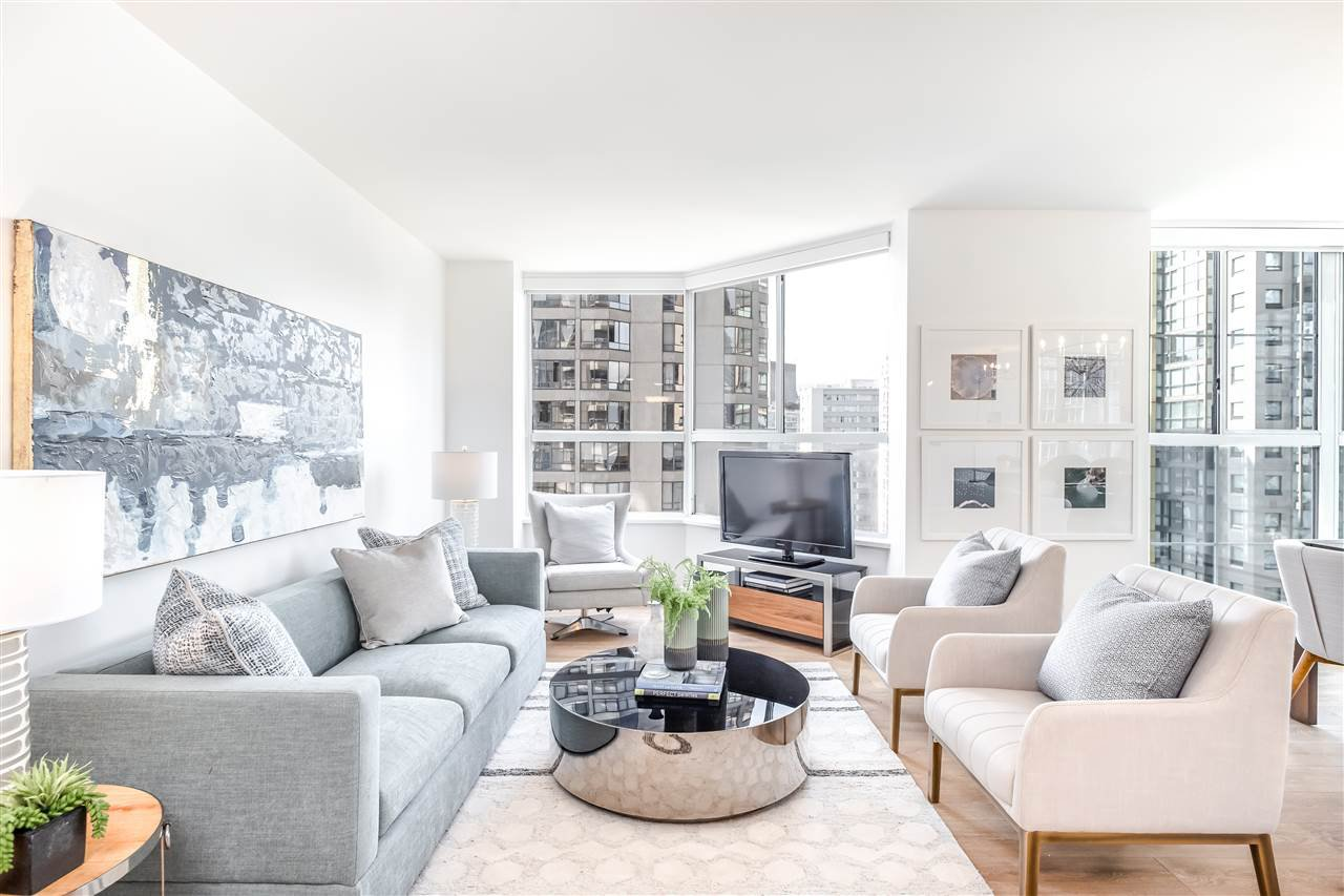 """Main Photo: 901 717 JERVIS Street in Vancouver: West End VW Condo for sale in """"Emerald West"""" (Vancouver West)  : MLS®# R2421913"""