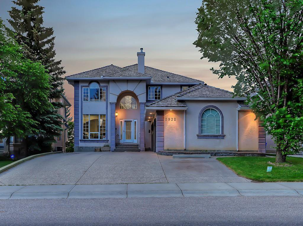 Main Photo: 2932 SIGNAL HILL Drive SW in Calgary: Signal Hill Detached for sale : MLS®# C4296211