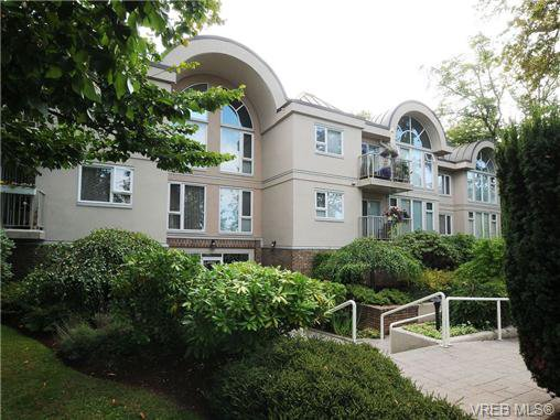 Main Photo: 201 9905 Fifth St in SIDNEY: Si Sidney North-East Condo Apartment for sale (Sidney)  : MLS®# 682484