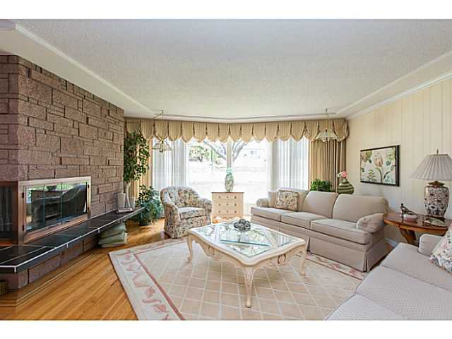 "Photo 3: Photos: 86 MOTT Crescent in New Westminster: The Heights NW House for sale in ""MASSEY HEIGHTS"" : MLS®# V1130149"