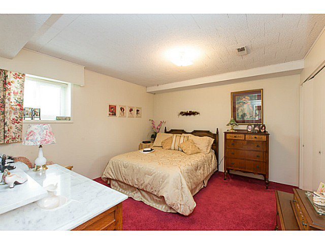 "Photo 18: Photos: 86 MOTT Crescent in New Westminster: The Heights NW House for sale in ""MASSEY HEIGHTS"" : MLS®# V1130149"