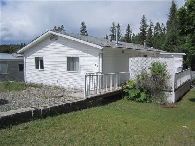 "Main Photo: 26 997 20 Highway in Williams Lake: Williams Lake - Rural West Manufactured Home for sale in ""CHILCOTIN ESTATES MOBILE HOME PARK"" (Williams Lake (Zone 27))  : MLS®# N246875"