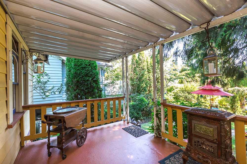 "Photo 17: Photos: 902 EDINBURGH Street in New Westminster: Moody Park House for sale in ""MOODY PARK"" : MLS®# R2103490"