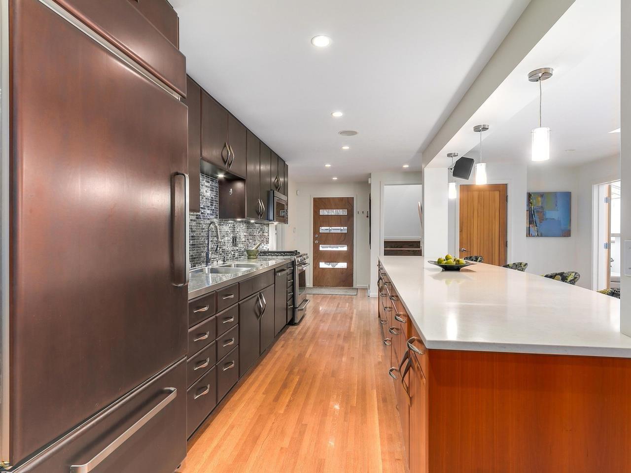 Photo 9: Photos: 3708 EDGEMONT Boulevard in North Vancouver: Edgemont House Fourplex for sale : MLS®# R2138514