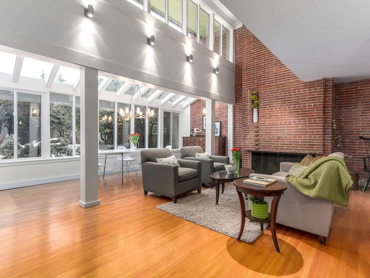 Photo 3: Photos: 3708 EDGEMONT Boulevard in North Vancouver: Edgemont House Fourplex for sale : MLS®# R2138514