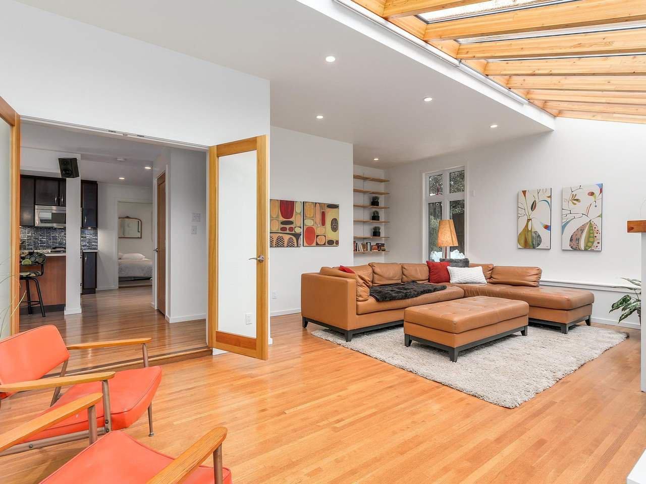 Photo 12: Photos: 3708 EDGEMONT Boulevard in North Vancouver: Edgemont House Fourplex for sale : MLS®# R2138514
