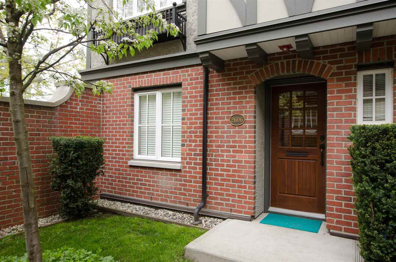 "Photo 4: Photos: 2606 QUEBEC Street in Vancouver: Mount Pleasant VE Townhouse for sale in ""MAISON"" (Vancouver East)  : MLS®# R2161356"