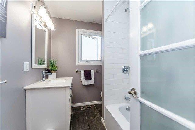 Photo 12: Photos: 602 Pinewood Street in Oshawa: O'Neill House (Backsplit 4) for sale : MLS®# E3845986