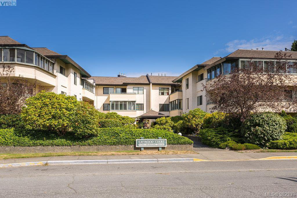 Main Photo: 304 3900 Shelbourne Street in VICTORIA: SE Cedar Hill Condo Apartment for sale (Saanich East)  : MLS®# 382333