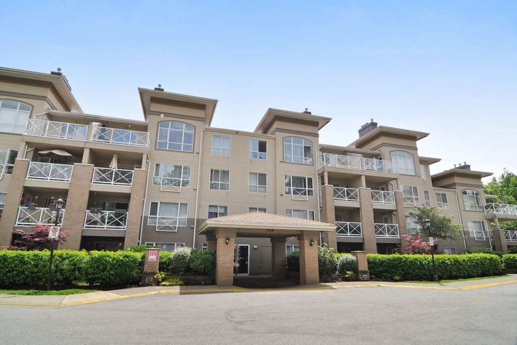 Main Photo: 113 2558 PARKVIEW Lane in Port Coquitlam: Central Pt Coquitlam Condo for sale : MLS®# R2212920
