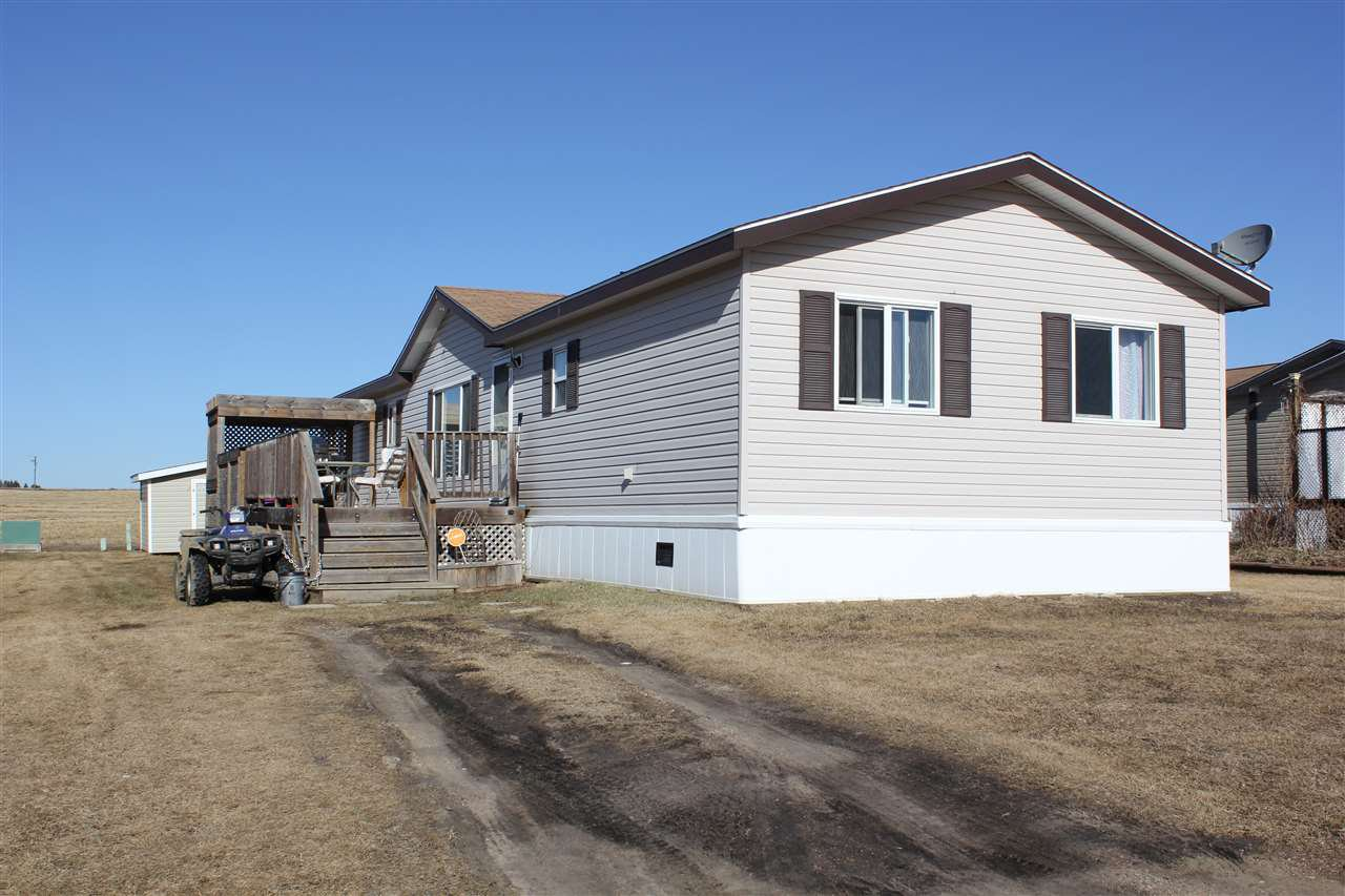 Main Photo: 5118 56 Street: Elk Point Manufactured Home for sale : MLS®# E4105959