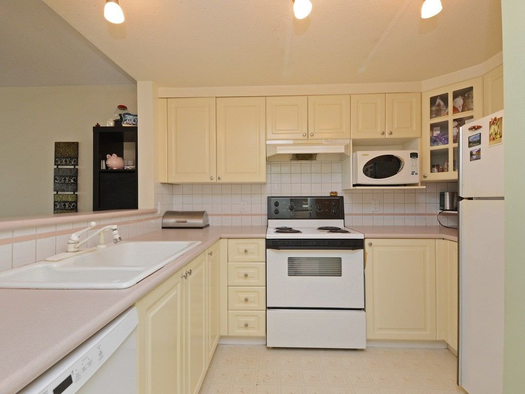 Photo 10: Photos: 412 1575 BEST Street: White Rock Condo for sale (South Surrey White Rock)  : MLS®# R2299527