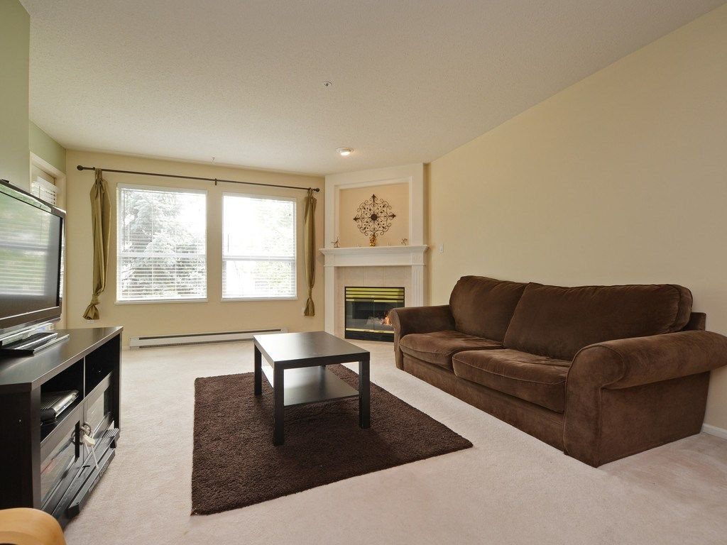 Photo 4: Photos: 412 1575 BEST Street: White Rock Condo for sale (South Surrey White Rock)  : MLS®# R2299527