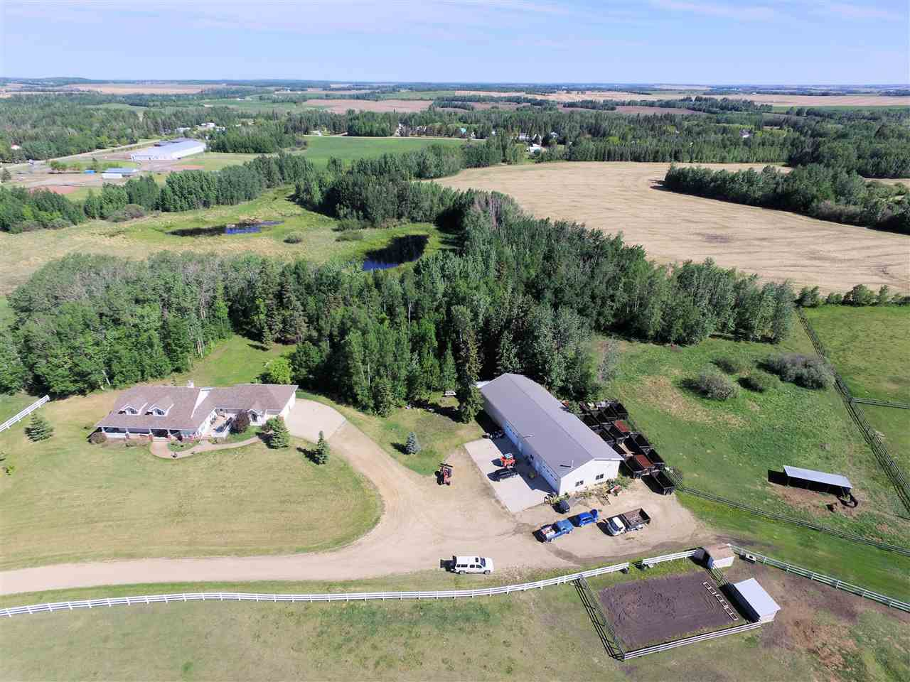 Main Photo: 54515 Range Road 275: Rural Sturgeon County House for sale : MLS®# E4142040