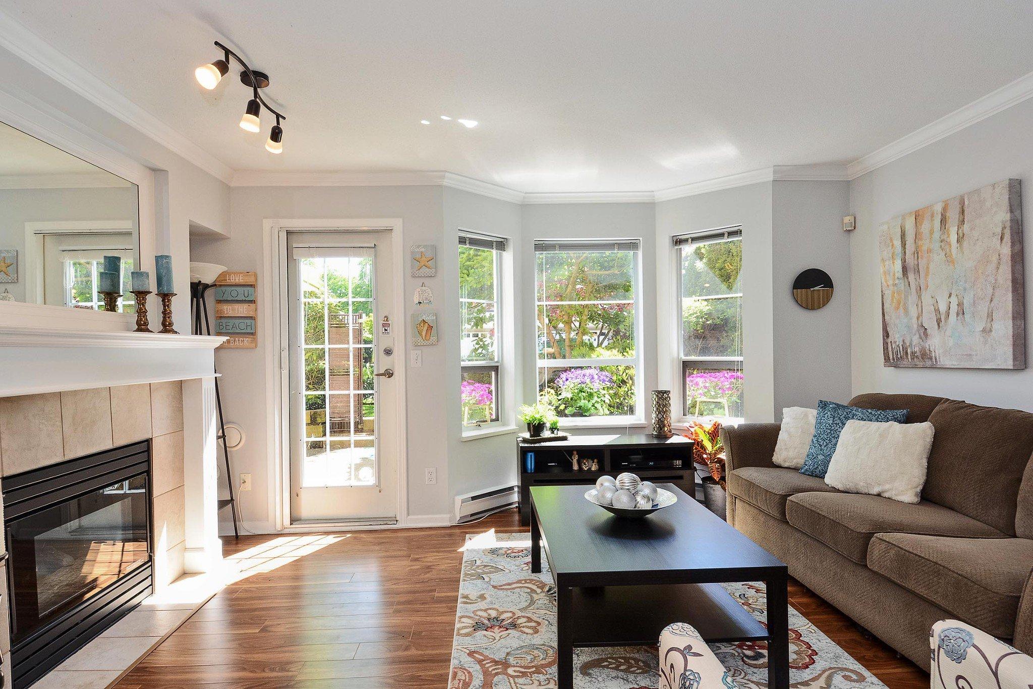 """Photo 6: Photos: 112 15155 22 Avenue in Surrey: Sunnyside Park Surrey Condo for sale in """"Villa Pacifica"""" (South Surrey White Rock)  : MLS®# R2348668"""