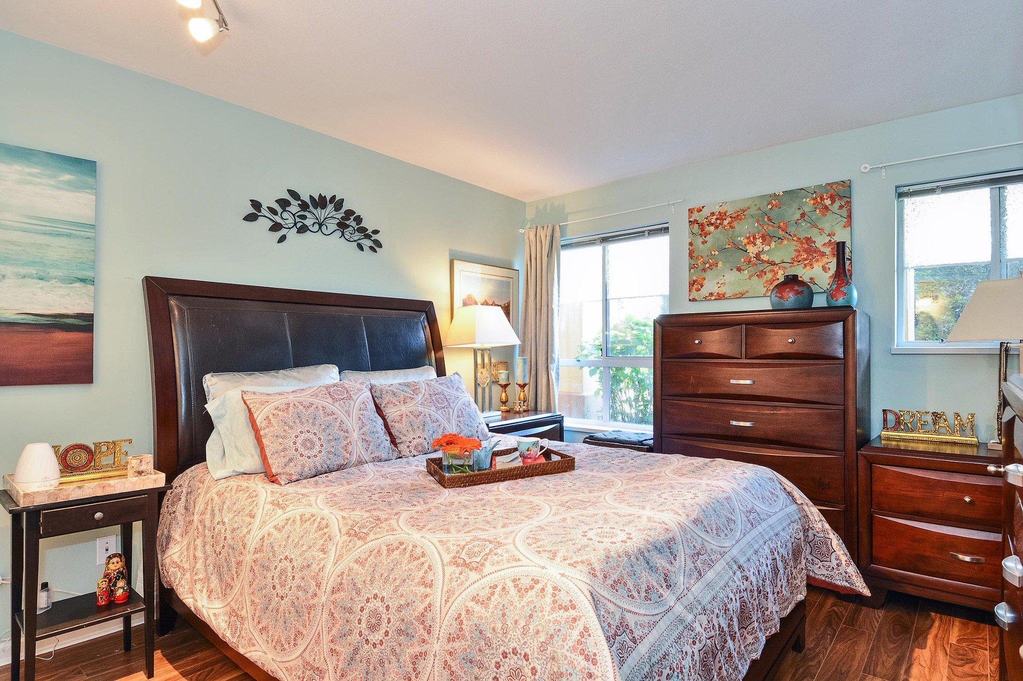 """Photo 13: Photos: 112 15155 22 Avenue in Surrey: Sunnyside Park Surrey Condo for sale in """"Villa Pacifica"""" (South Surrey White Rock)  : MLS®# R2348668"""