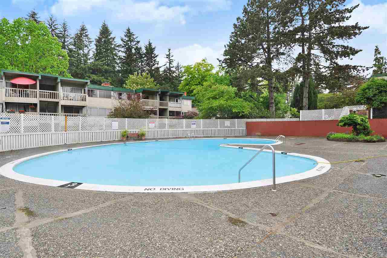 "Photo 17: Photos: 720 WESTVIEW Crescent in North Vancouver: Central Lonsdale Condo for sale in ""Cypress Gardens"" : MLS®# R2370300"